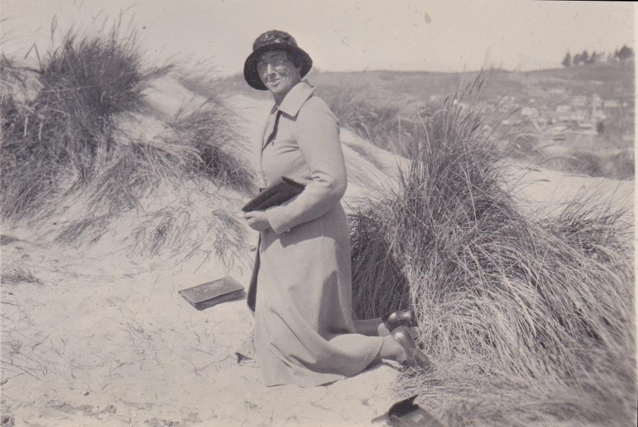 Tahunanui Beach 1933Lemuel Lyes Collection