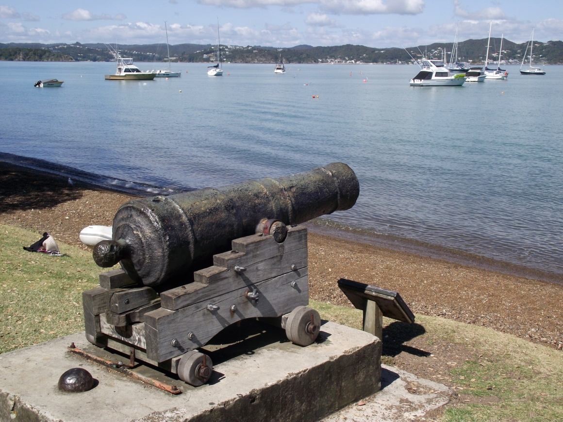 Cannon on the waterfront at present-day Russell © Lemuel Lyes 2013