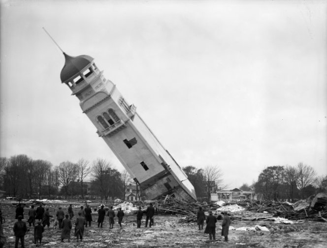 Demolition of the northern tower of the New Zealand International Exhibition in Christchurch. Webb, Steffano, 1880?-1967 : Collection of negatives. Ref: 1/1-005020-G. Alexander Turnbull Library, Wellington, New Zealand. http://natlib.govt.nz/records/23027460
