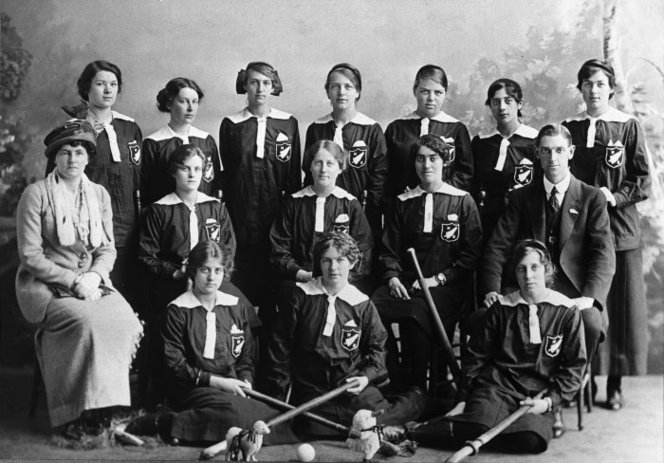 New Zealand Ladies' Hockey team that played England - Photographer unidentified. Making New Zealand :Negatives and prints from the Making New Zealand Centennial collection. Ref: MNZ-1000-1/4-F. Alexander Turnbull Library, Wellington, New Zealand. http://natlib.govt.nz/records/22910272