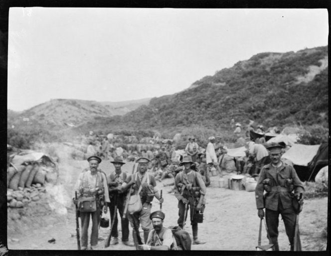 Soldiers from the Wellington Mounted Rifles at Gallipoli. Read, J C :Images of the Gallipoli campaign. Ref: 1/4-058177-F. Alexander Turnbull Library, Wellington, New Zealand. http://natlib.govt.nz/records/22335070
