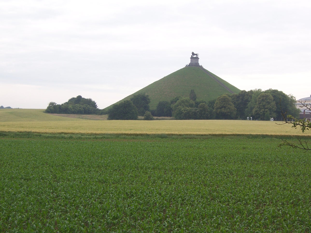Butte du Lion on the battlefield of Waterloo, 2009 © Lemuel Lyes