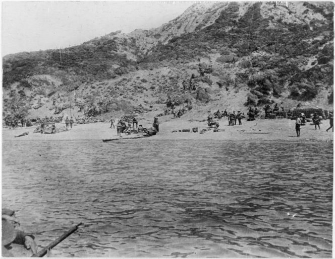 Scene at Anzac Cove, Gallipolli, Turkey. Gresson, Kenneth MacFarlane, 1891-1974 :Photographs of the Gallipoli campaign in Turkey during World War I, and photographs of ships in a bay. Ref: PAColl-3604-01. Alexander Turnbull Library, Wellington, New Zealand. http://natlib.govt.nz/records/22479276
