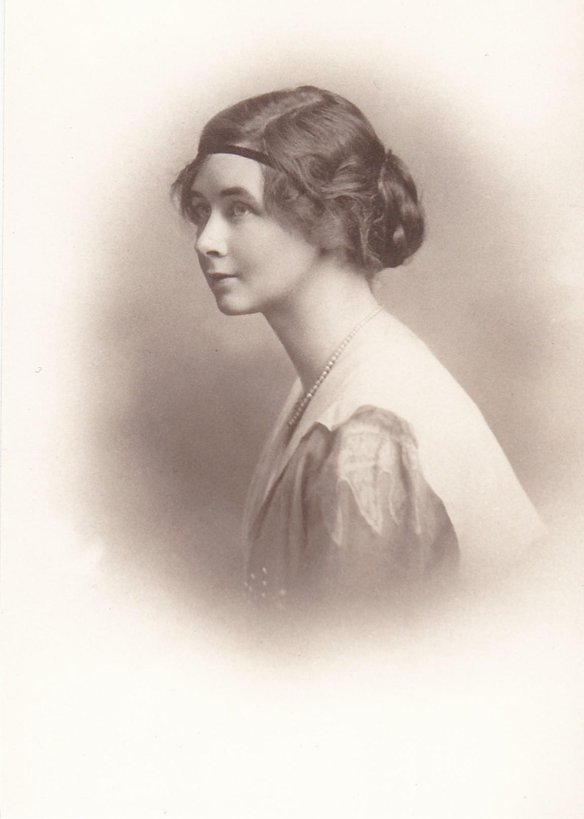 Isabel Massey
